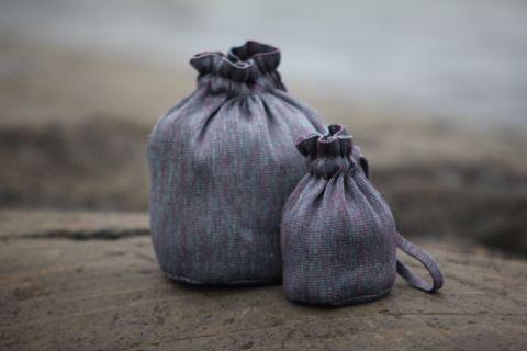 """""""Bags that turn into baskets"""" - monikäyttöinen säilytin, jonka sisään saa säilöön tuotteet ja josta saa taiteltua sisustuskorin. #habitare2014 #design #sisustus #messut #helsinki #messukeskus"""