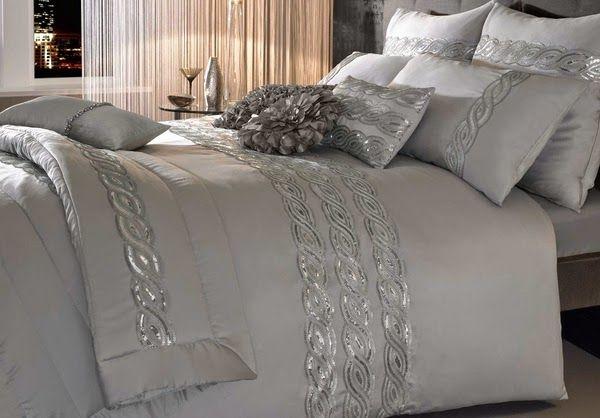 housses de couette ensembles de literie de luxe pour un look glamour dans la chambre coucher. Black Bedroom Furniture Sets. Home Design Ideas