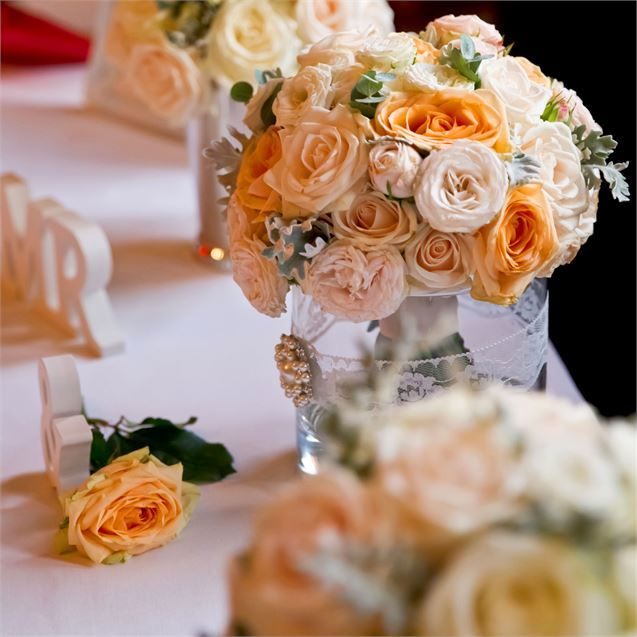 Katryna and Louren's wedding ceremony took place in the ball room at Wiston House. The bride walked down the aisle with her mother, and felt like Louren was all she could see.Katryna carried a beautiful bouquet of peach and cream avalanche roses, mixed with ivory spray roses and delicate herb foliage, arranged by Sharon Boon at Flowerbug. As she walked towards her future husband, the instrumental version of Adele's 'Make You Feel My Love' played.The maid of honour, Michelle, gave a reading…
