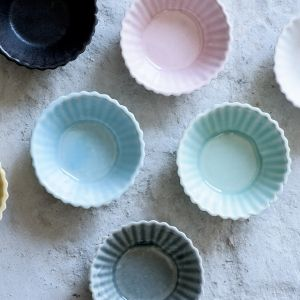 """Ceramic Muffin Tin, Small Serving Bowls, baking Cup,, Candy Dish, small ceramic bowl,   Handmade ceramic bowls great for serving tapas like: olives, Salt and pepper as well as a snack dish. Beautiful addition to the modern kitchen.  I find it Idyll for baking cupcakes, muffins and small tarts. Excellent  for serving desert, icecream or bonbons.   The bowls are made in slip casting technique. Each bowl is handemade and  treated separately.   - Size: 4"""" x 1.5"""" / 11 x 4 cm - Color: gray, pink…"""