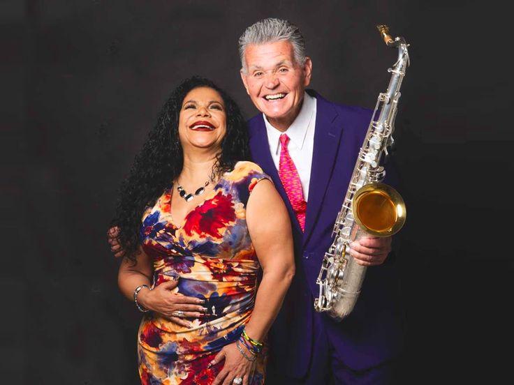 Un clásico show regresa a escena. La reconocida exponente de la música peruana,  Eva Ayllón y el destacado saxofonista Jean Pierre Magnet volverán a unir su talento para presentarse en un doble espectáculo este 11 y 12 de marzo en el Teatro Peruano Japonés.