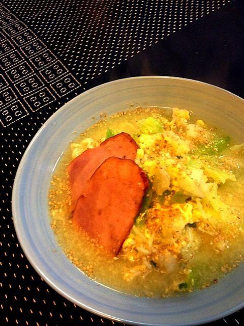 休日のお手軽昼ごはん。 - 25件のもぐもぐ - サッポロ一番塩ラーメン by uzumaki1220