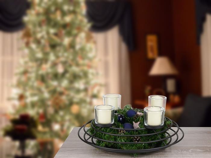 die besten 25 adventskranz metall ideen auf pinterest adventsgestecke weihnachts whatsapp. Black Bedroom Furniture Sets. Home Design Ideas