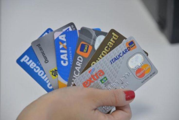 Midia News   Dívida com rotativo do cartão de crédito é recorde e atinge R$ 33,1 bilhões