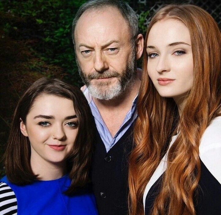 Maisie Williams, Liam Cunningham, Sophie Turner