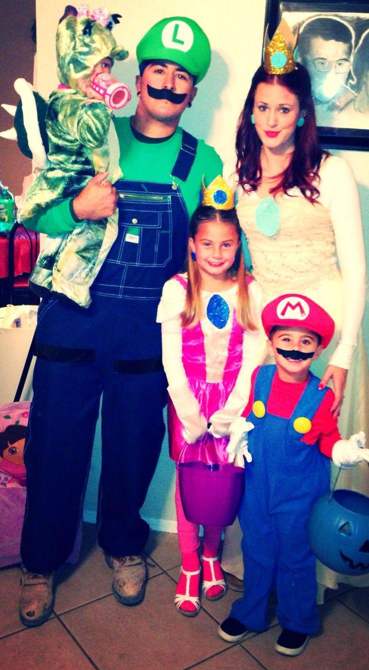 Super Mario brothers halloween family costume Luigi
