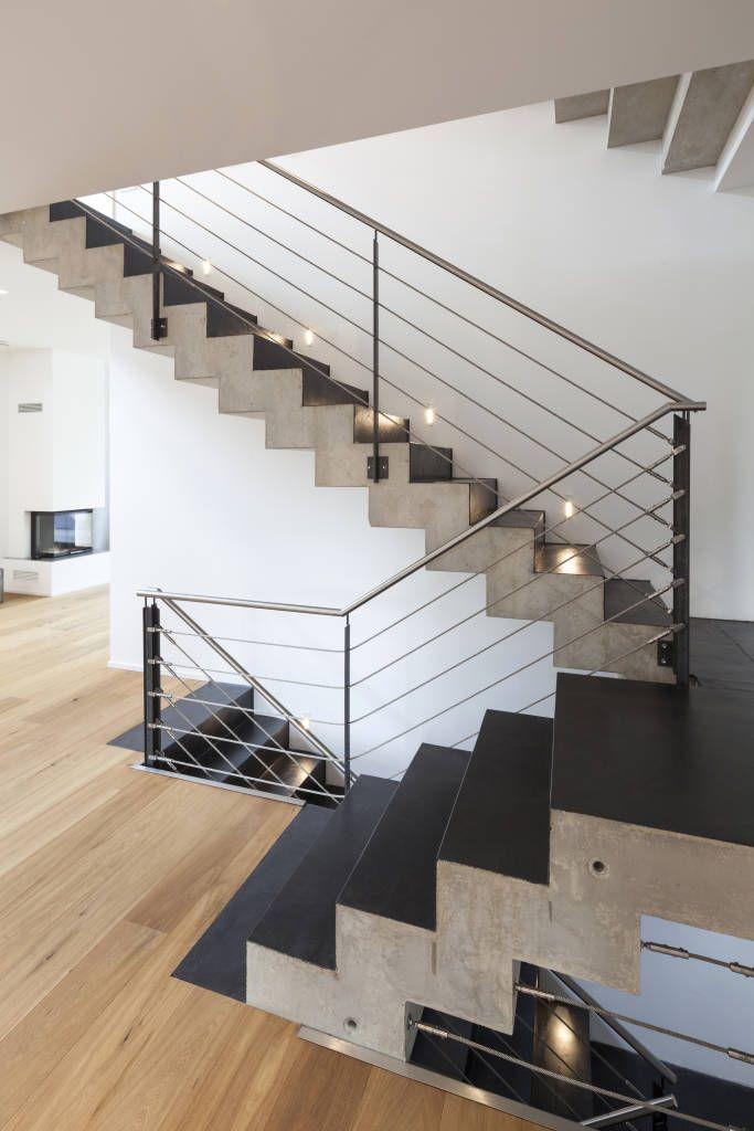 Beton ciré auf treppe: flur & diele von einwandfrei – innovative malerarbeiten ohg