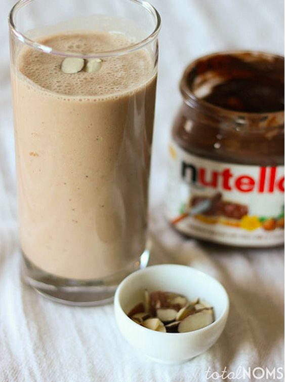 Banana Nutella Smoothie | 19 Creamy And Delicious Smoothies To Make This Fall