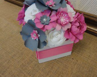 Pièce maîtresse fleur de papier origami-Set 5 par PoshStudios