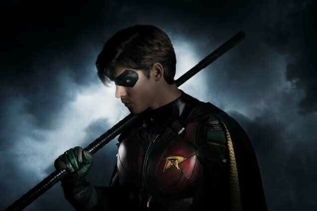 Robin from the Titans tv show started filming yesterday!