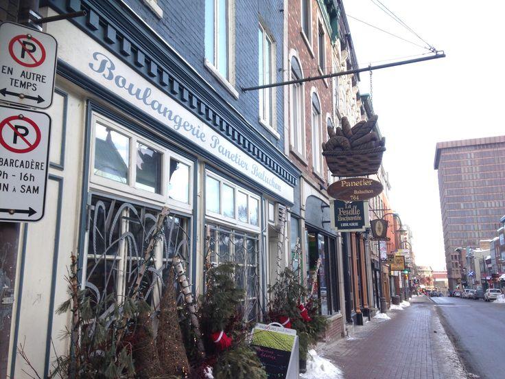 メープル街道を東へドライブPart2ケベックシティー旧市街での朝食