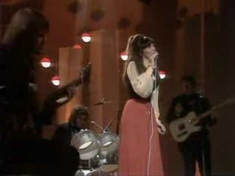 Carpenters Close To You Wow, I was 1 when this concert was filmed and Karen looks sick here...I wish there had been as much awareness then as now. For those who didn't know-Karen Carpenter died of Bulimia, very sad-she had a spectacular voice, she was beautiful and she just couldn't see it.