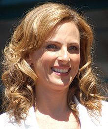 Marlee Matlin Signs The National Anthem At Super Bowl 50