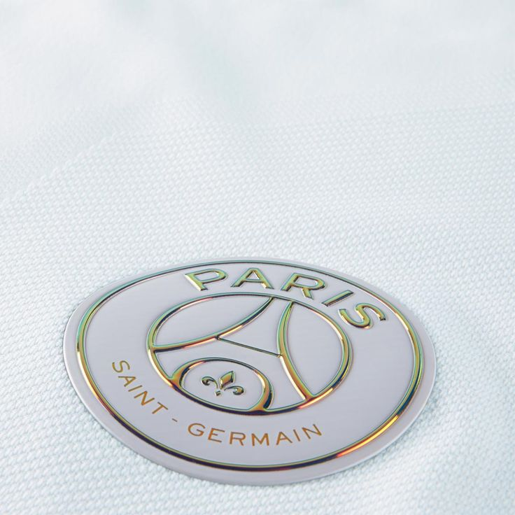 The PSG 16-17 third kit introduces a special and unique design with iridescent…