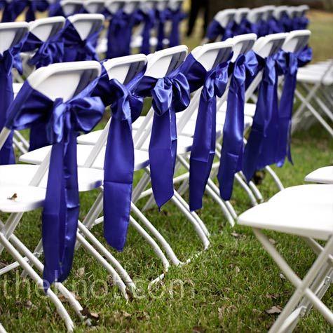 Ceremony decor. Add green tartan on bows