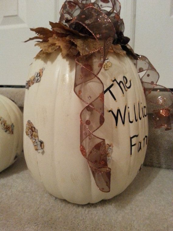 Personalized Family Pumpkins  Beautifully by ALLTHINGSCREATIVE1, $25.00