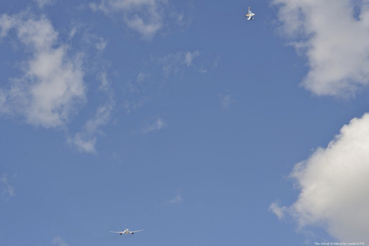 "AEGEAN low pass Airbus A320ceo + F-16 της ομάδας ""ΖΕΥΣ"" της Πολεμικής Αεροπορίας AFW2015"
