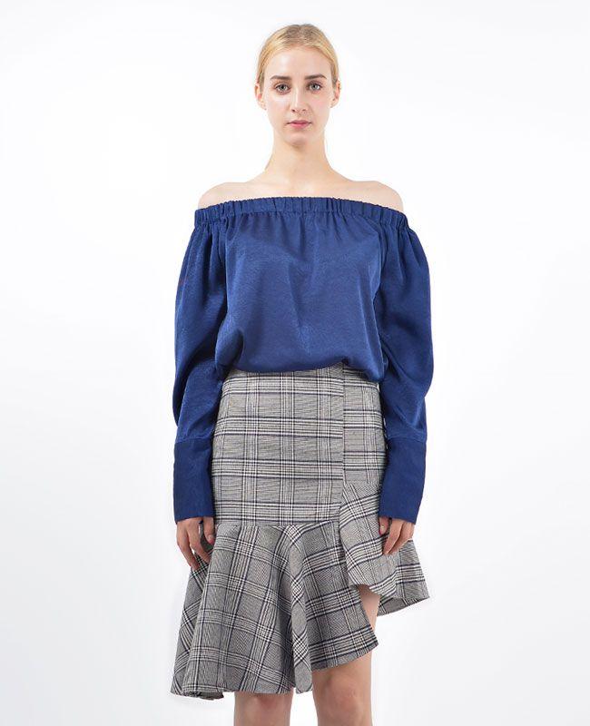 Siena Off-the-Shoulder Satin Blouse ♥fashion trends online at bosroom.com #satin #satinblouse #blouse #fall #blue #offshouldertop #offshoulder #vibes