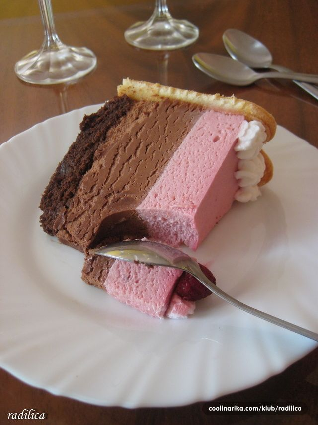 I nakon dužeg vremena, ispunjavam dato obećanje! Prevodim i pišem recept za ovu prilično skupu, ali veoma finu tortu!!! Kako sam tortu pravila za doček tadašnjeg verenika, tako recept posvećujem isključivo mom sadašnjem suprugu :D ili kako ja to volim reći - mom mladoženji♥