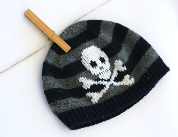 Baby Pirate hat Jolly Roger hat  Knit baby hat  by TreMelarance, €21.00