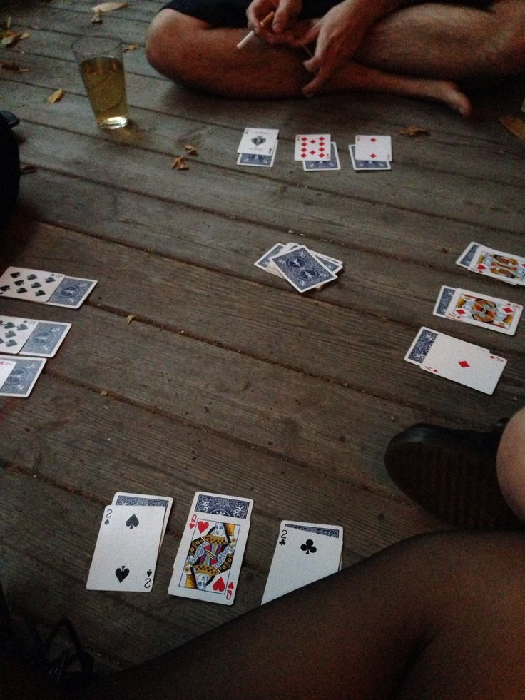 Playing cards on the deck #summerlove #johnnywas - this reminds me so so so much of the Galapagos and my whole trip abroad :)