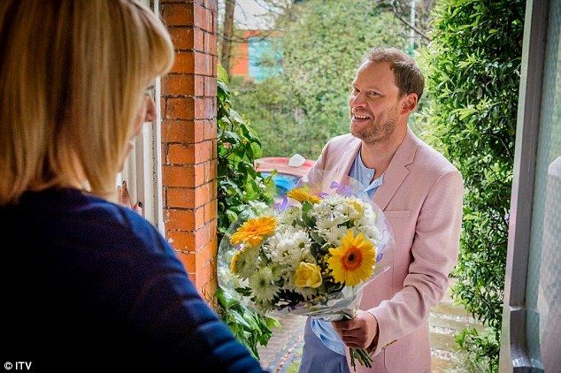 Surprise! Peep Show star Robert Webb will appear in the new series of Cold Feet as a former flame of Jenny, played by Fay Ripley, left