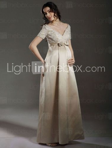 """Wedding dresses for pregnant brides that don't look like """"frumpy messes"""" 