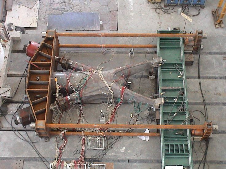 Shanghai South Station - Testing the cast steel head of outer columns