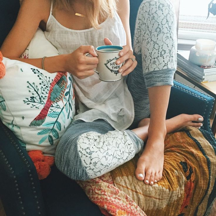 "Taylor Morgan on Instagram: ""If you want to know what I really look like- sweats or pjs, coffee and messy hair all the way  You can shop all product in this shot here - & on the blog! @liketoknow.it www.liketk.it/1Civ0 #liketkit #anthropologie #summerinasnap #cozy #home"""