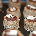 Název Išlské dortíčky možná mnohým z vás vůbec nic neřekne, ale stačí se podívat na fotku a ihned si uvědomíte, jak známé a hojně dělávané toto cukroví je. Připravujete jej také? Suroviny: Na těsto: 300 g hladké mouky 200 g má...
