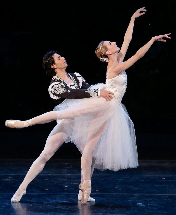 Isabella Boylston & Herman Cornejo perform the Giselle pas de deux at the International Evening of Dance I program of the 2015 Vail International Dance Festival. Photo :copyright: Erin Baiano