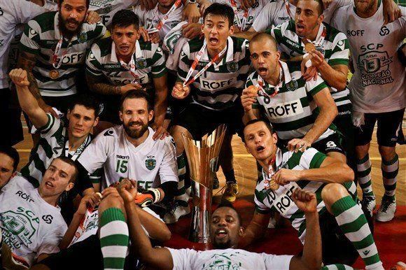 O Sporting venceu hoje o Benfica por 2-1, no pavilhão da Luz, e recuperou o título nacional de futsal, ao terminar o 'play-off' da final com uma vantagem de 3-1.