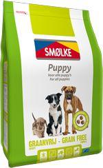 #Smolke #Puppy #Graanvrij is afgestemd op de behoefte van #puppy's van alle rassen en een graan- en glutenvrij alternatief. De voeding bevat extra energie om je pup te helpen bij groeien en bevat extra calcium voor sterke tanden en botten.