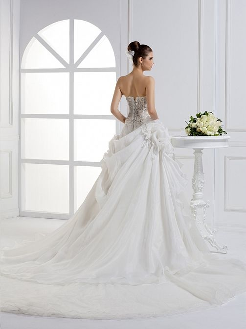 2012 Fall Strapless Organza bridal gown,Style No.0bg01425,US$399.00   Read More:    http://weddingspnina.com/index.php?r=2012-fall-strapless-organza-bridal-gown.html