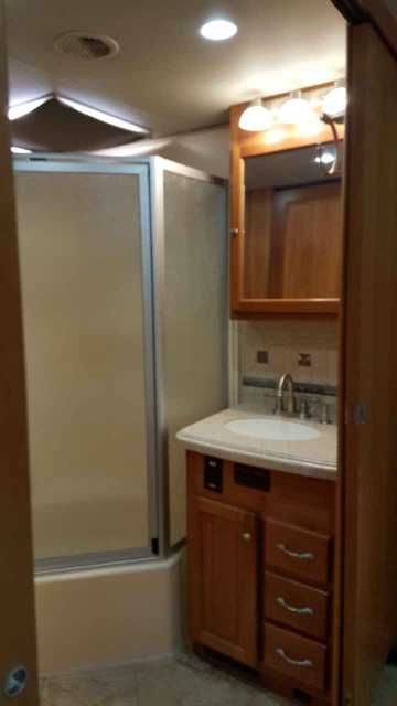 2007 Used Tiffin Motorhomes Allegro Bus 40' QSP Class A in Oregon OR.Recreational Vehicle, rv, 2007 Tiffin Motorhomes Allegro Bus 40' QSP, 2007 Tiffin Allegro Bus Diesel Pusher 40QSP, Spartan Chassis, second owner, garaged always, Independent Front Suspension, 400HP Cummins Diesel Engine With Exhaust Brake And Side Radiator, 6 Speed Allison Automatic Transmission, 62,532 Miles, Ceramic Tile Floors, Corian Counter Tops, Power Sun Shades, 4 Door Refrigerator With Ice Maker, single unit Washer…