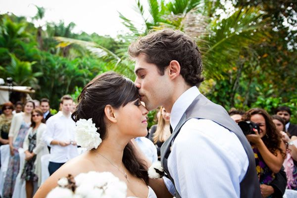 Sharon is a wedding photographer, her own brazil weding