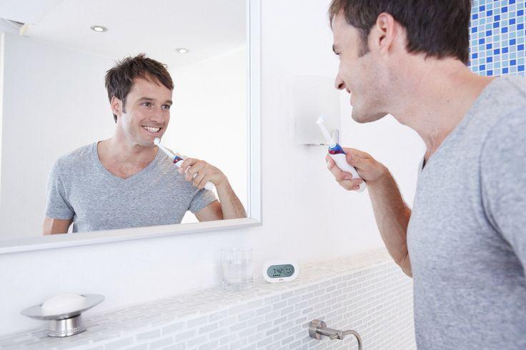 Wyższy poziom mycia zębów elektryczną szczoteczką OralB PRO 5000: http://spadental.pl/szczoteczka-elektryczna-oral-pro-5000-crossaction-896