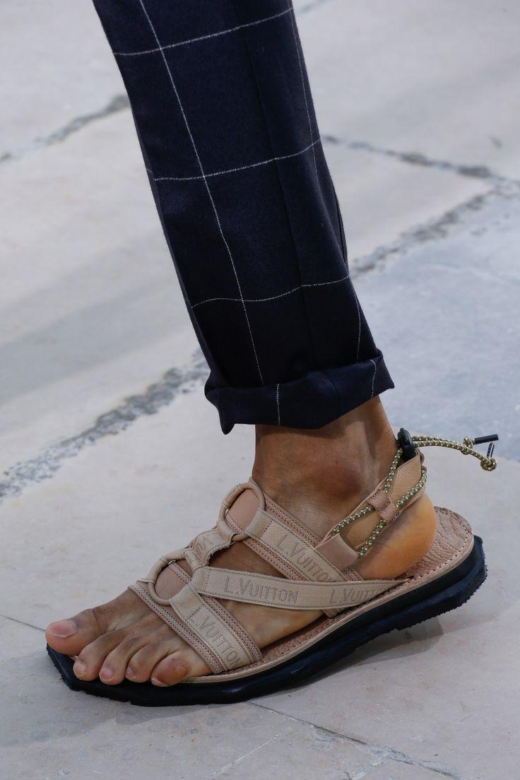 Louis Vuitton Spring 2017 Menswear Accessories Photos - Vogue