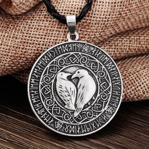 Odins Ravner med runer