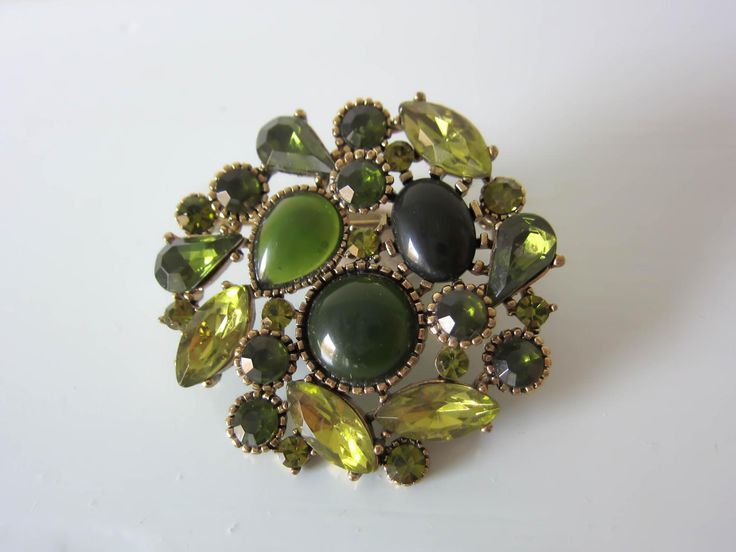 Vintage brooch, vintage green brooch, Art deco style brooch, rhinestone, green pin, gift for women, gift for her, birthday, mothers day gift by thevintagemagpie01 on Etsy