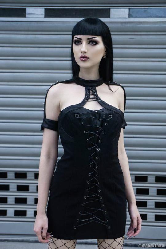 Goth Model: Obsidian Kerttu   @gothicandamazing.tumblr.com