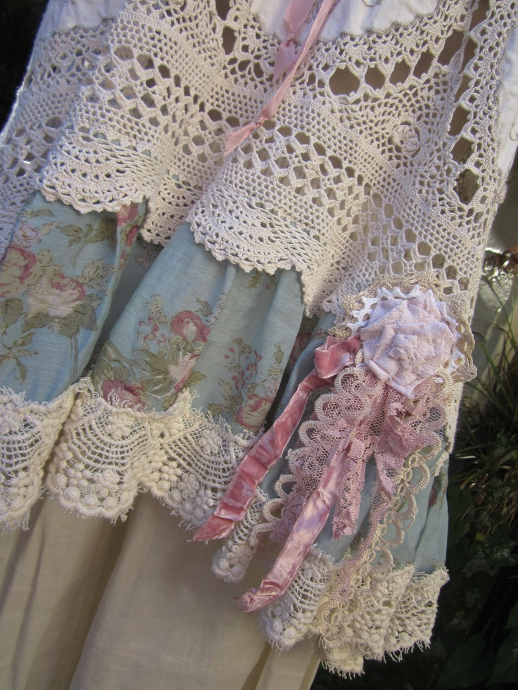 vintage crochet and linen tunic Vintage by sistersroseandruby - like the combo of materials