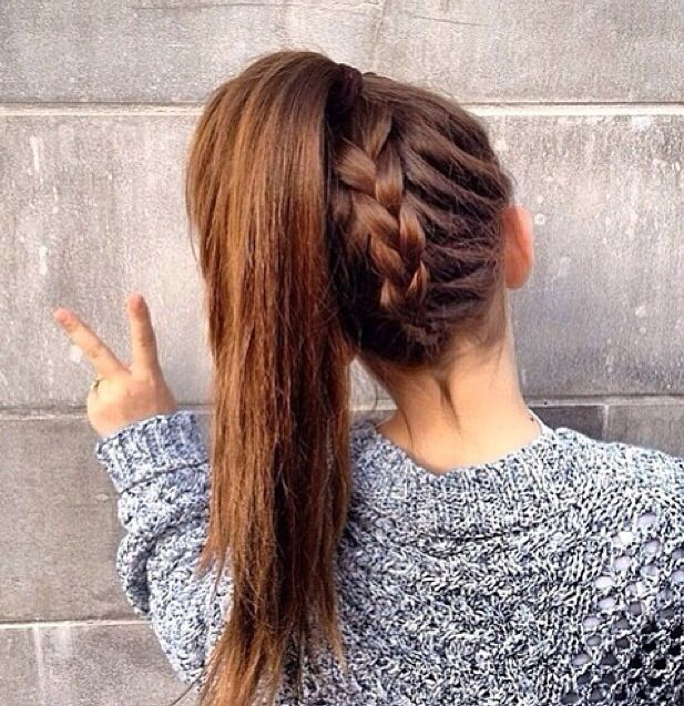 Love this inverse french braid. It's so cute but very hard to get it to look this good...