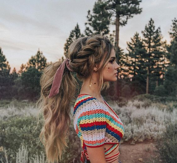 If you have long hair, these easy-to-knit hairstyles will be your life-saving straw. Put the ponytail aside to make your hair more creative. If you want to change your hairstyle or hairstyle quickly, these braided tutorials are just what you need. These simple hairstyles are perfect for work and play.