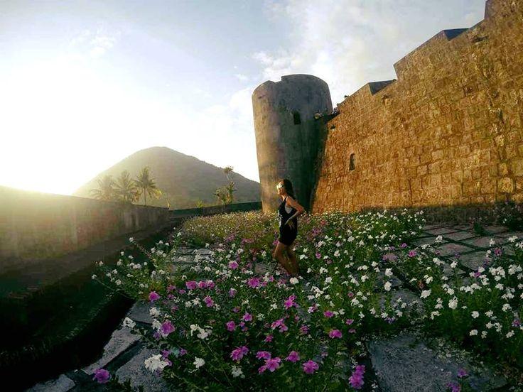 Original Caption @marischkaprue Spot: Benteng Belgica, Bandaneira www.tukangjalan.com
