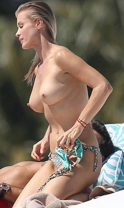 naked-pics-of-joanna-krupa-pussy