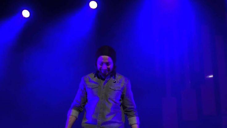 Avi Kaplan Overtone Singing Lion Sleeps Tonight - Pentatonix Orpheum Los...