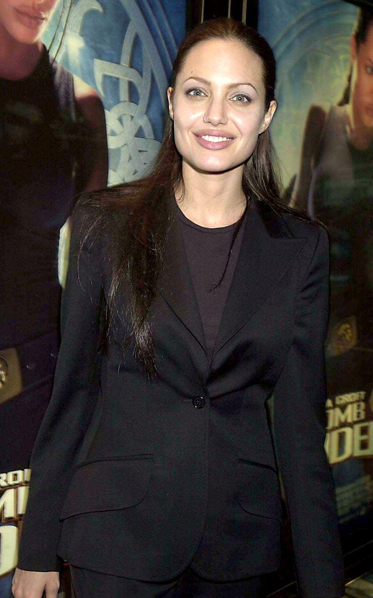 Lara Croft Tomb Raider London Premiere - June 3rd 2001 - 002 - Angelina Jolie Fan Photo Gallery   Angelina Jolie Fansite Gallery