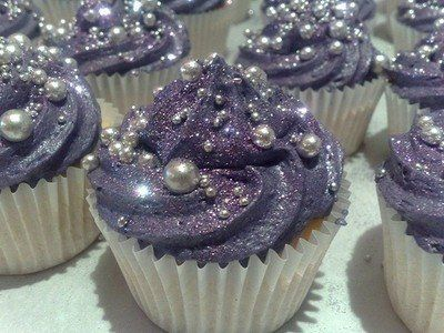 Glittery cupcakes...cute for any occasion that doesn't require a cake! Princess Perfect!