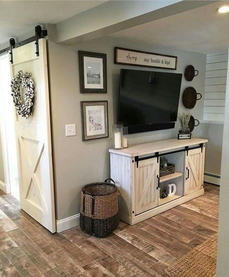 i love everything about this - minus the TV, for the entry way
